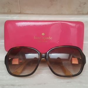 Kate spade sunglasses with case turtoise color